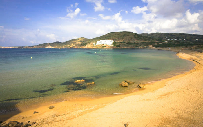 Tirant , au nord de l'ile de Minorque