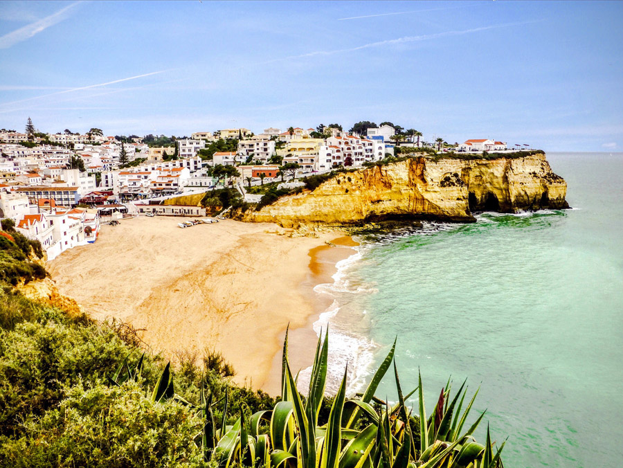 Praia-do-Carvoeiro-flickr-tony709-