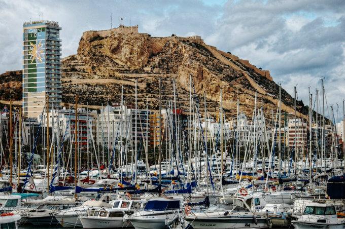 Port de Plaisance et château Santa Barbara - Alacant