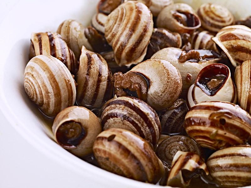 escargots avec une sauce aioli de patates