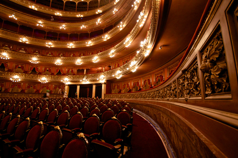 teatro-colon-flickr-roger-schultz